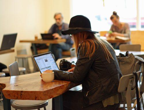 3 maneiras de ajudar funcionários que trabalham remotamente a crescer dentro da sua empresa