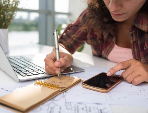 Os benefícios e os riscos de se contratar freelancers